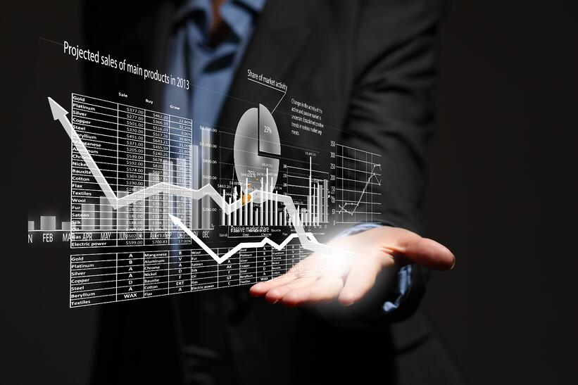 データ分析とは?必要性や成功事例、学び方を紹介