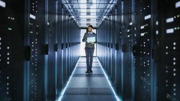データセンターの安全性を確認する方法や評価基準を紹介