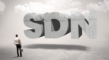 SDN(Software-Defined Networking)とは?SD-WANとの違いやメリットを解説