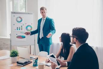営業業務効率化の必要性とは?その方法やおすすめのツールを紹介