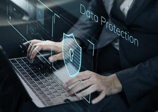 ハイブリッドクラウドの環境で完全なデータ保護を実現するには