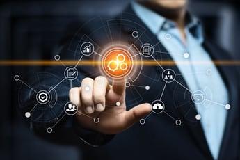 Azure Cognitive Servicesとは?ビジネスの競争力を高めるAIサービスの概要