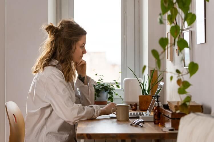 在宅勤務とは?在宅勤務制度を導入するメリット・デメリット